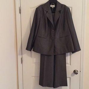 Le Suit 2 Piece Set Size 18W